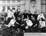 Womens basketball team of 1914